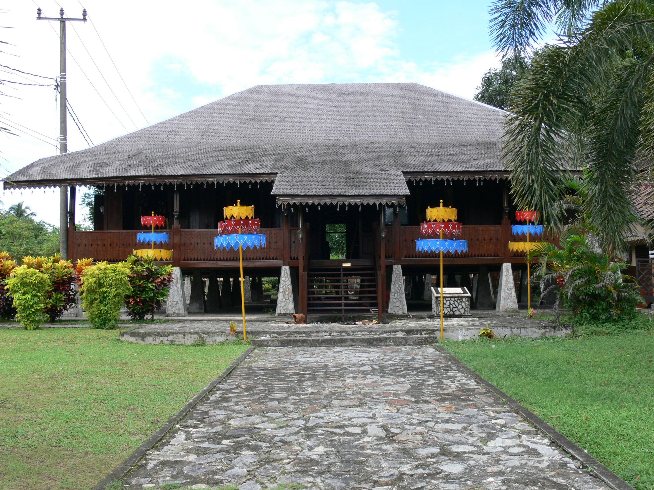rumah-adat-Tanjung Pandan Belitung Indonésie