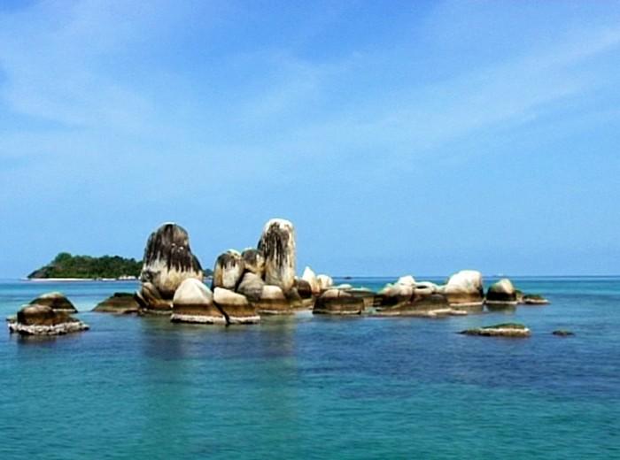 pulau batu berlayar