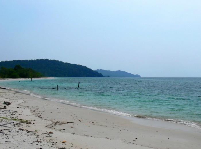 Pantai pasir panjang Belitung Indonésie
